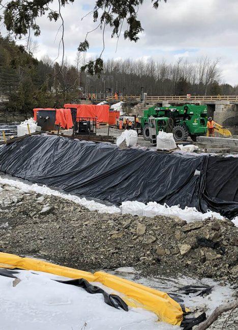 Batardeau et dérivation de cours d'eau - Drainage, canalisation et dérivation de cours d'eau - Environnement - Produit de Terraquavie Envionnement & Géosynthétique - Manufacturier de solutions environnementales pour la construction, le génie civil, le génie minier et l'industrie