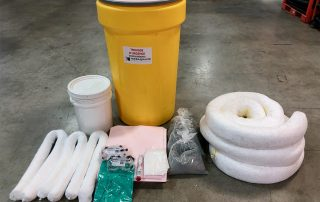 MTQ conform emergency spill kit content display